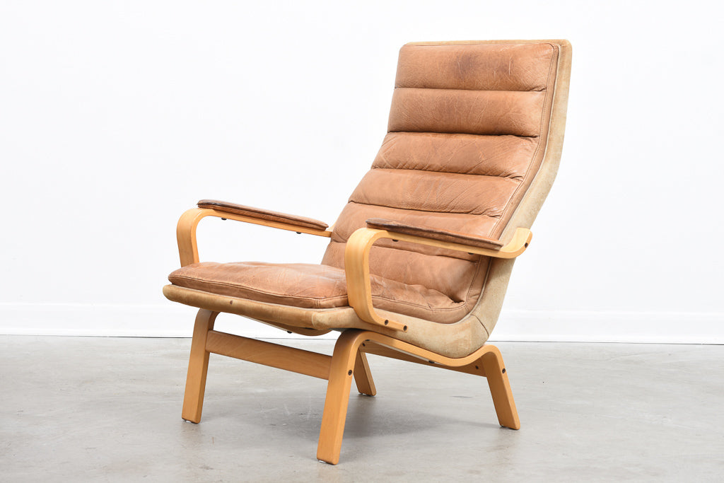 1970s beech + leather lounger