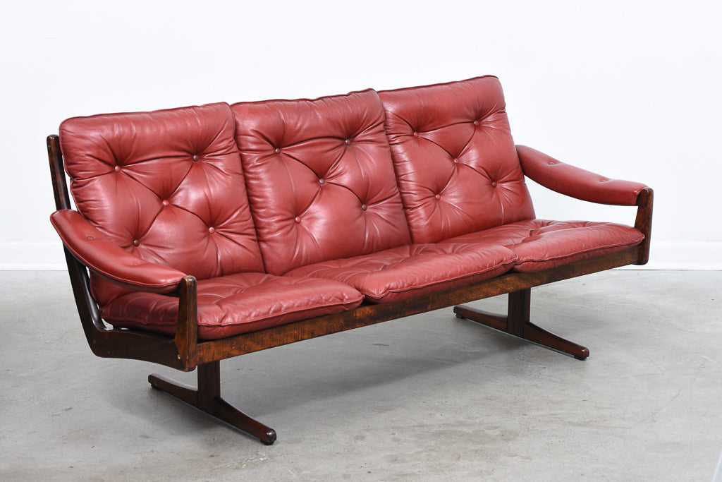 Norwegian leather sofa by Soda Galvano
