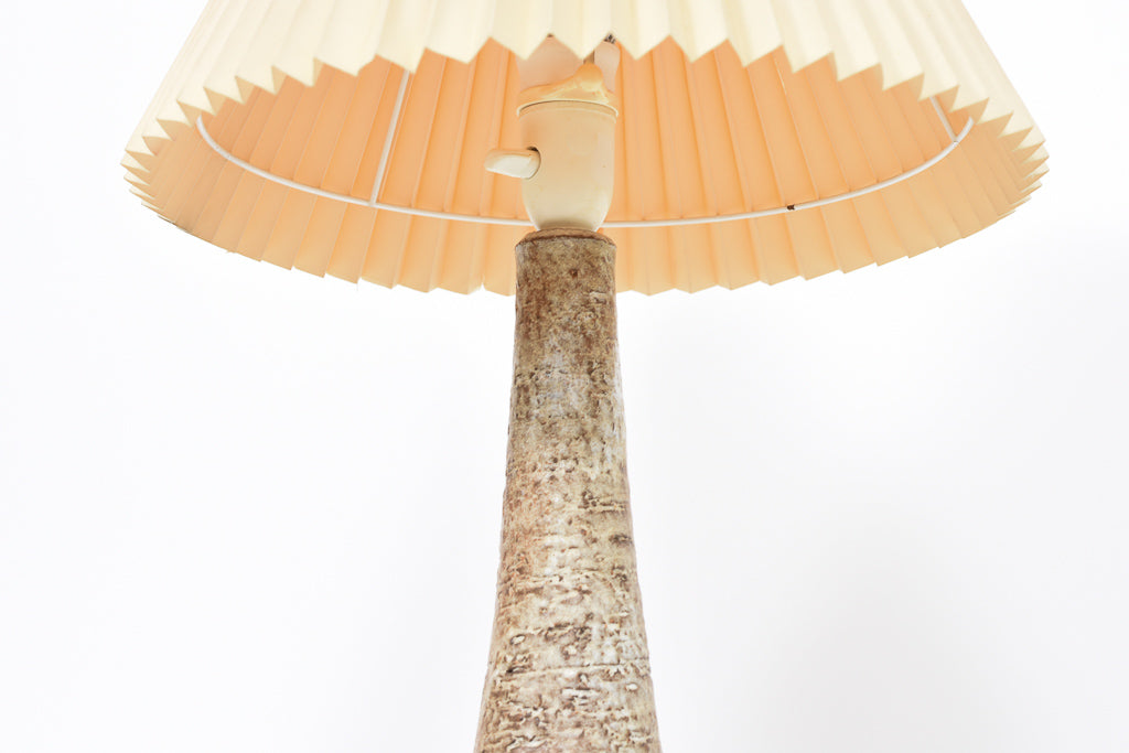 1960s ceramic table lamp with concertina shade