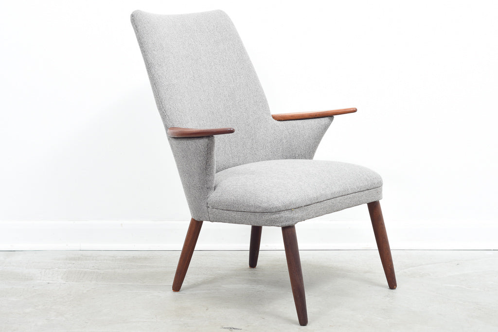 KarstenJan18 Easy chair in wool with teak arms