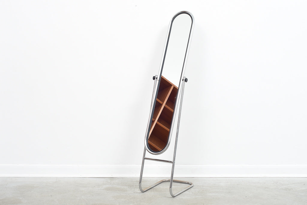 Freestanding mirror with tubular steel frame