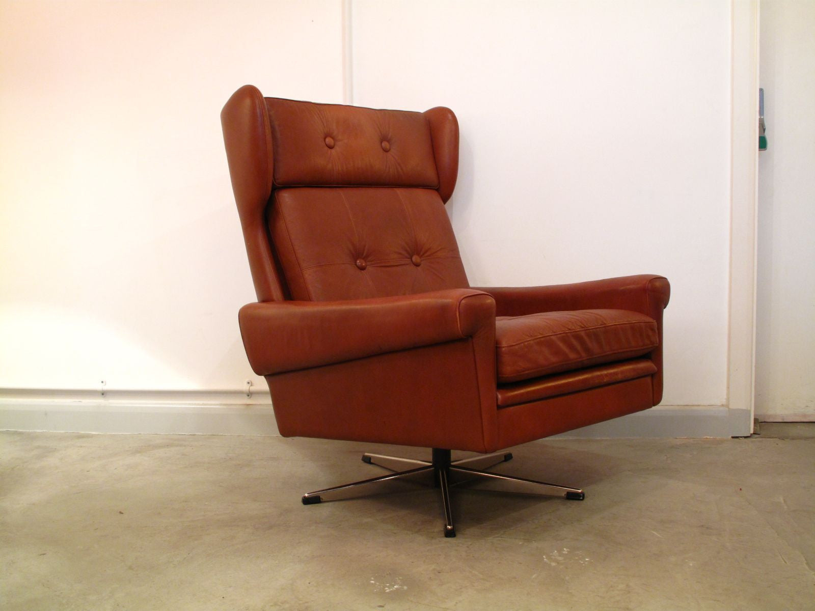 Chase & Sorensen Highback caramel-colored lounger