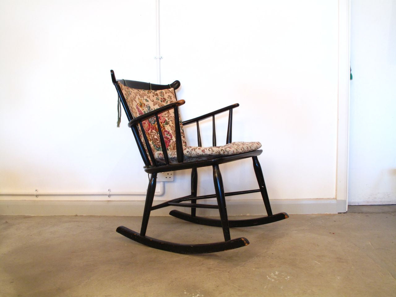 Beech rocking chair no. 1