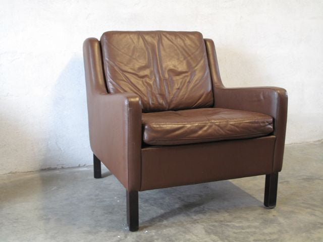 Chase & Sorensen Pair of leather club chairs