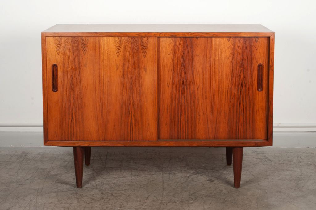 Short sideboard in rosewood