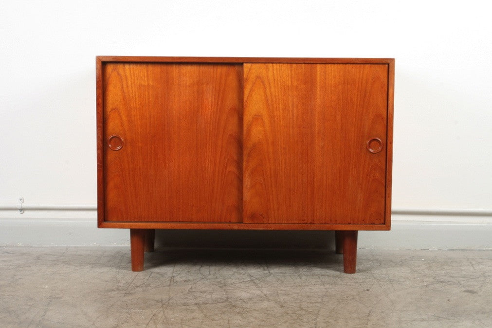 Short sideboard in teak