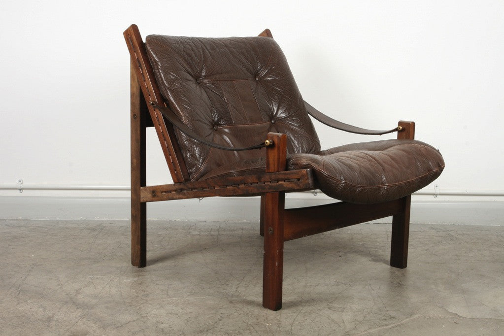 Low back leather lounger