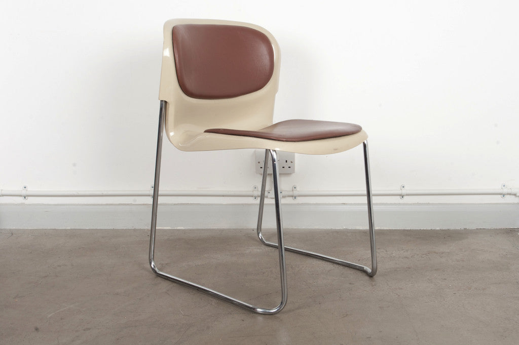 Set of five SM400 stacking chairs by Gerd Lange