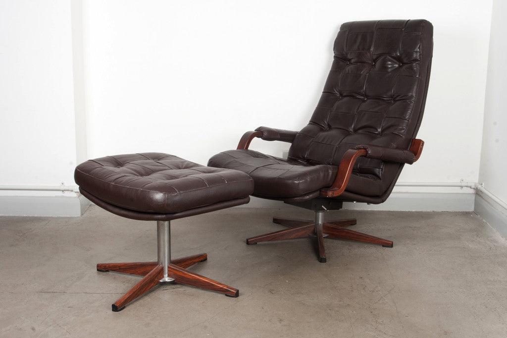 Reclining lounge chair with footstool