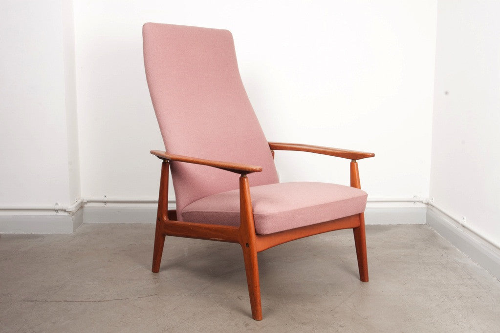 Reclining teak lounger by Arne Vodder