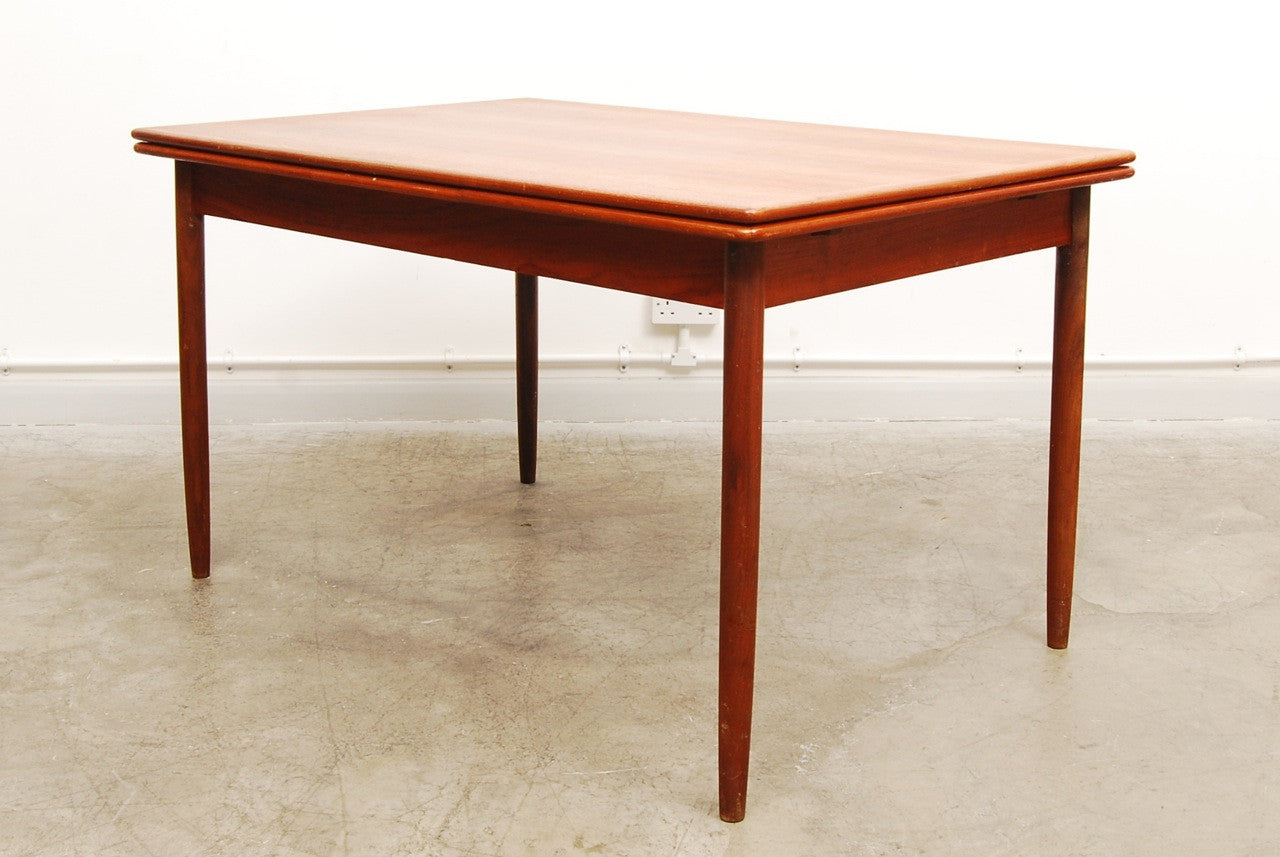 Chase & Sorensen Extending rectangular dining table in teak