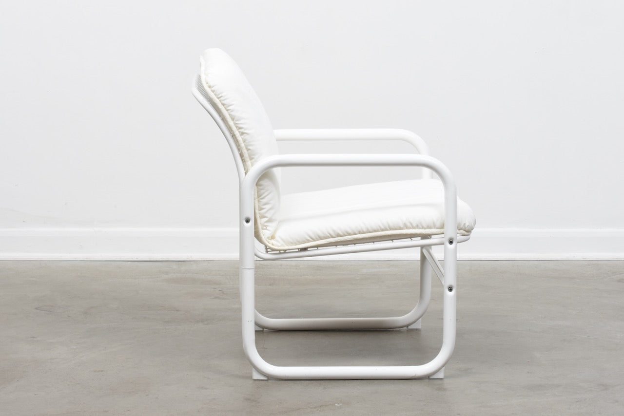 1980s white metal wire chair