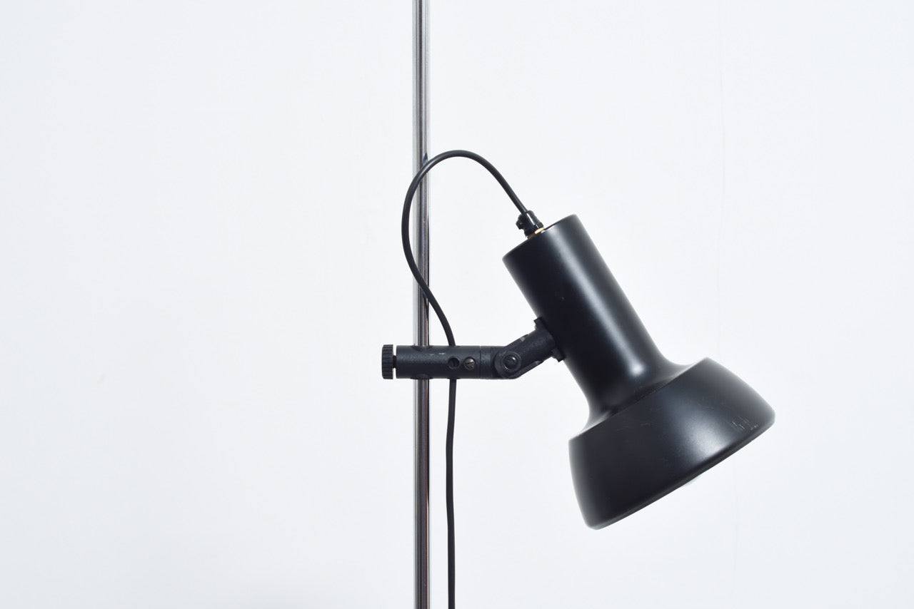 Floor lamp on tripod base