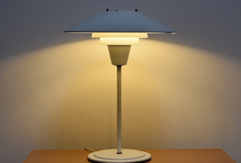 Multi-tiered table lamp