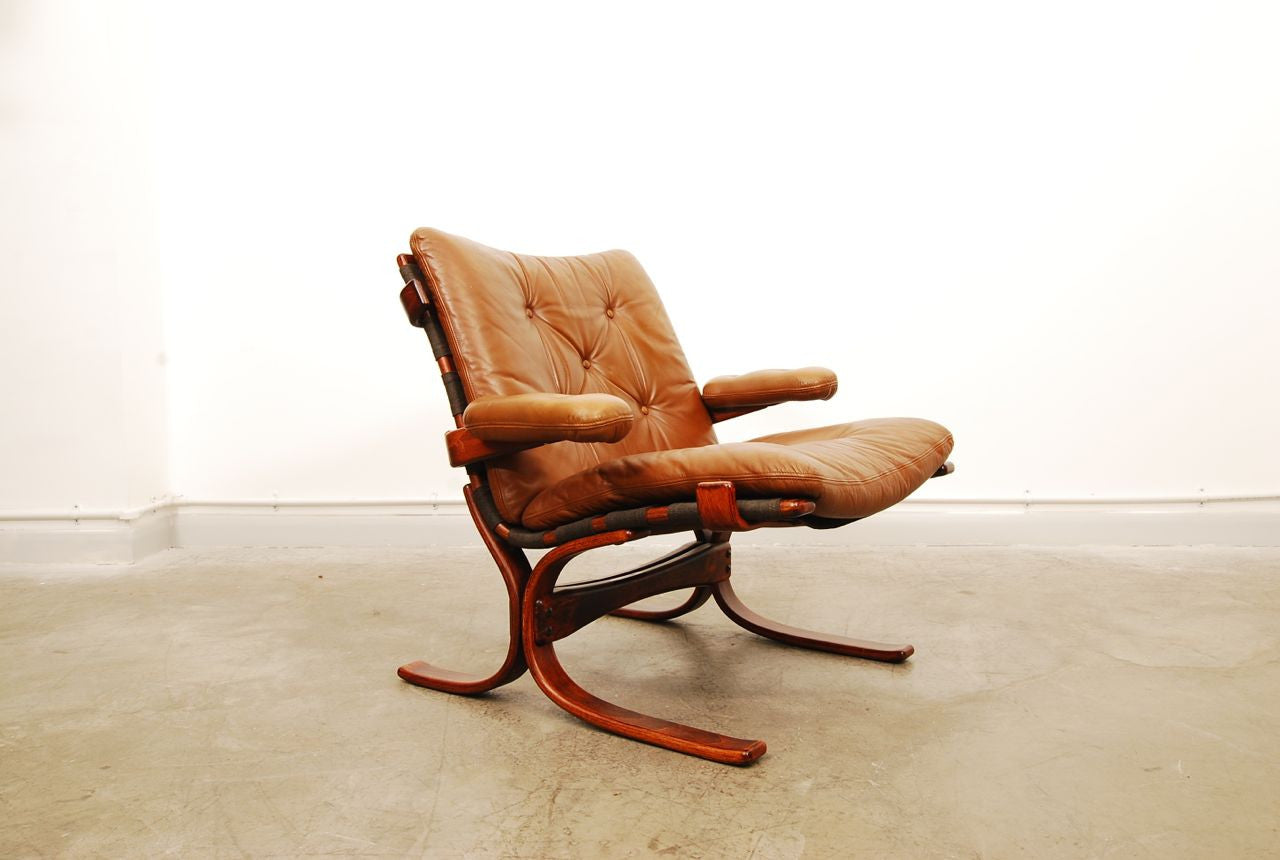 Leather and beech lounger