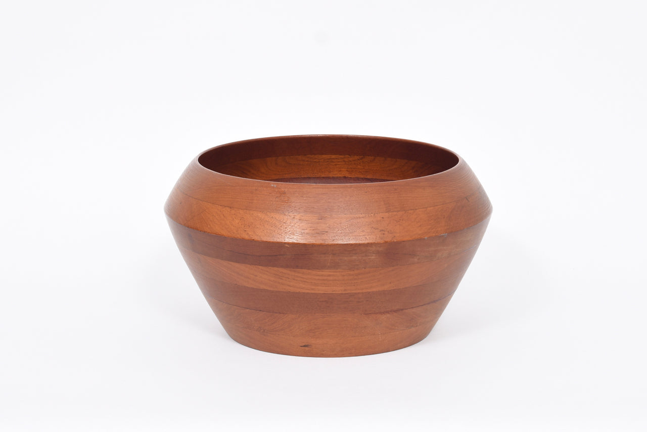 Teak bowl by Digsmed