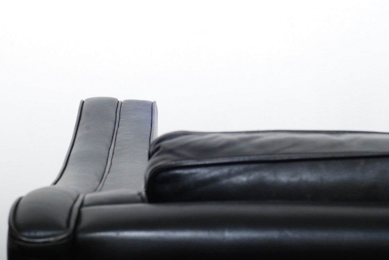 Generic Brand Two seat black leather sofa