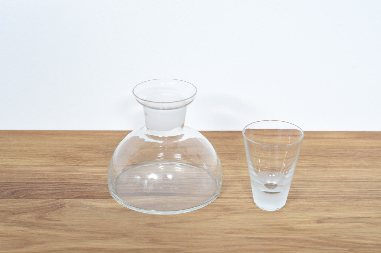Glass decanter with shot glass