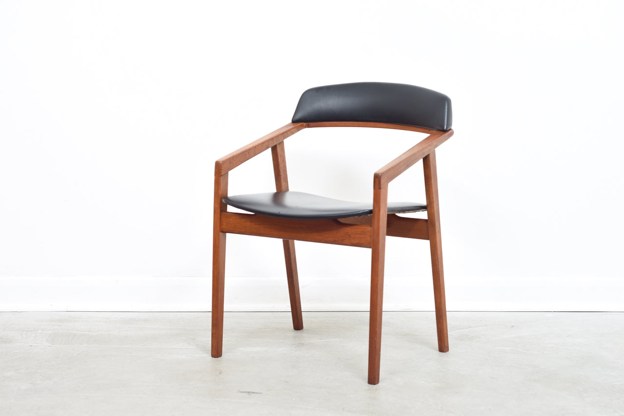 PETE SWAP Angular teak + skai armchair