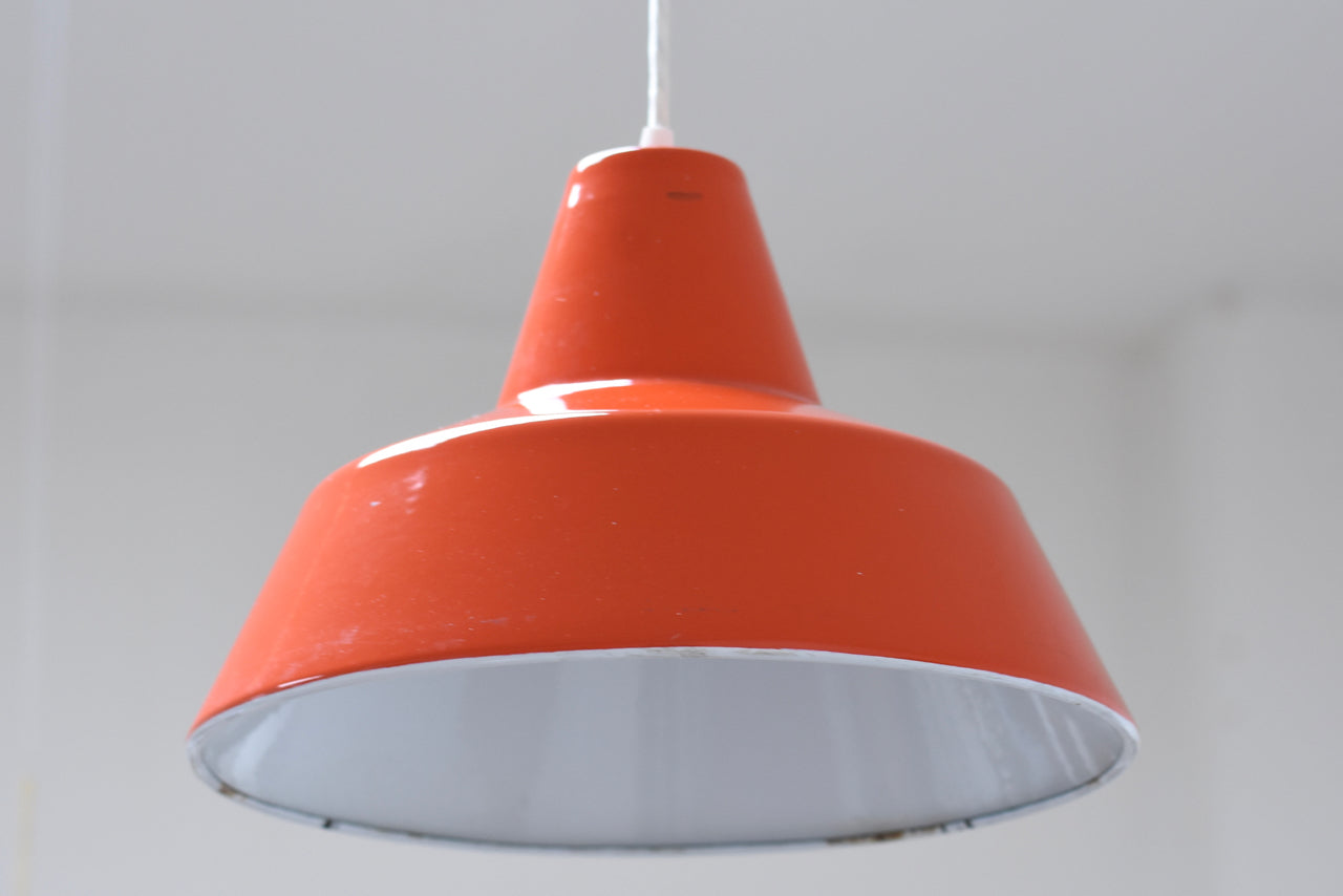 'Verkstadspendel' ceiling light by Louis Poulsen