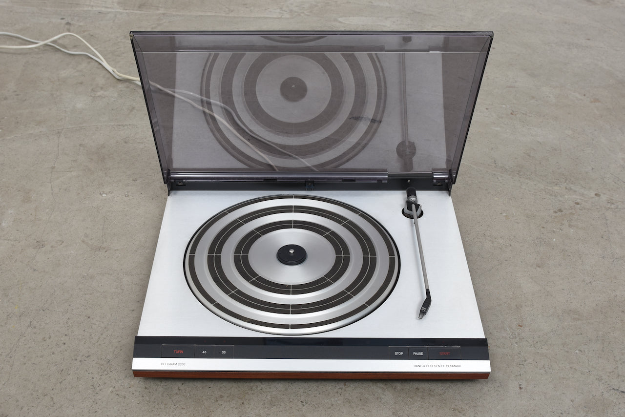Beogram 2202 record player by Bang & Olufsen