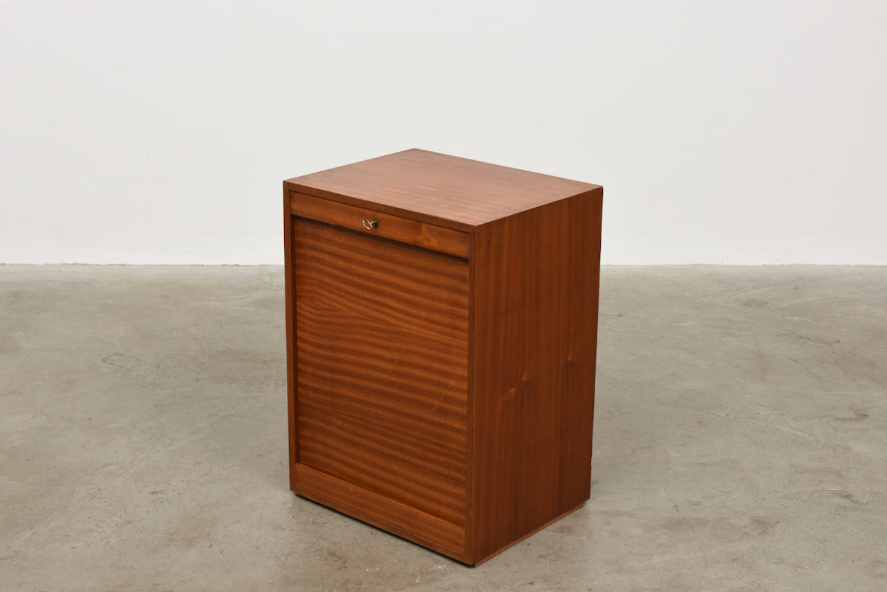 Short archive unit in teak