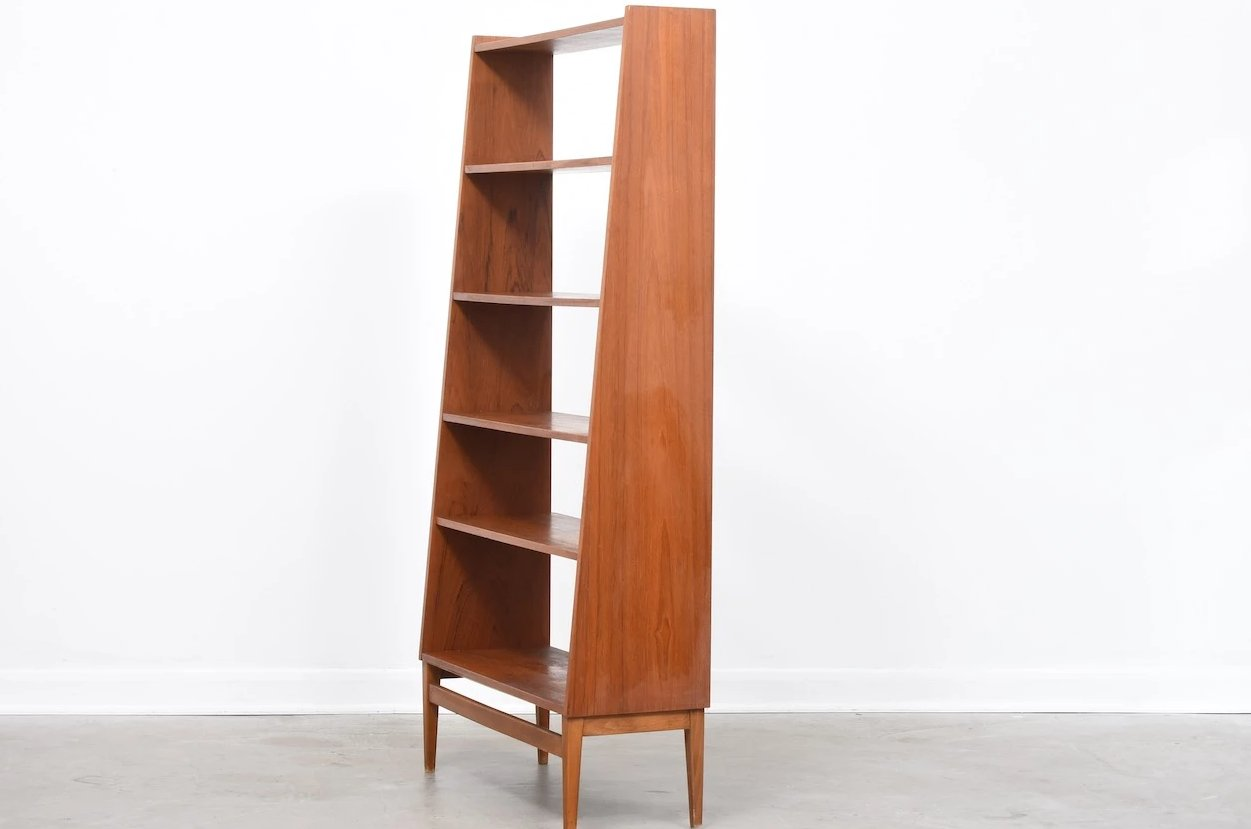 1960s freestanding bookshelf in teak