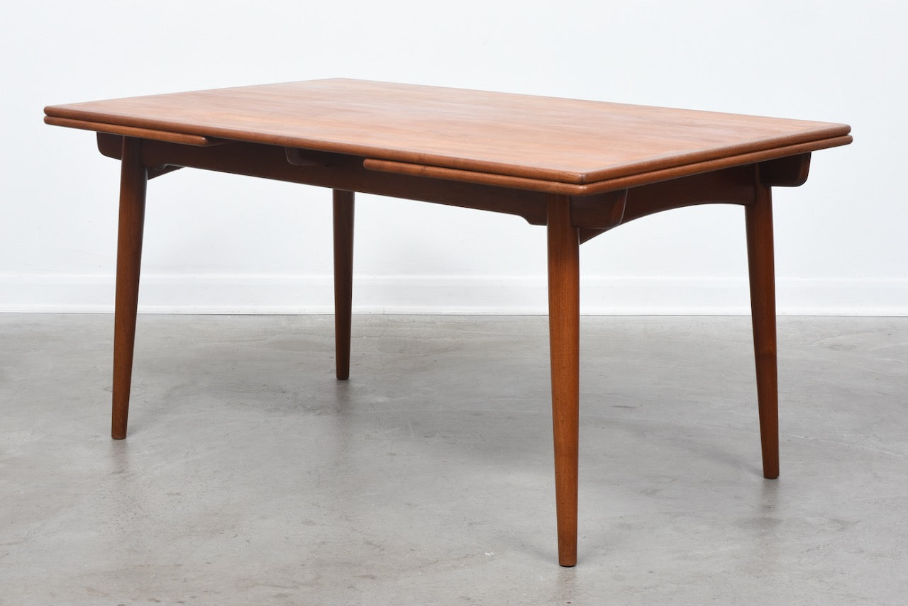 AT-312 dining table by Hans J. Wegner