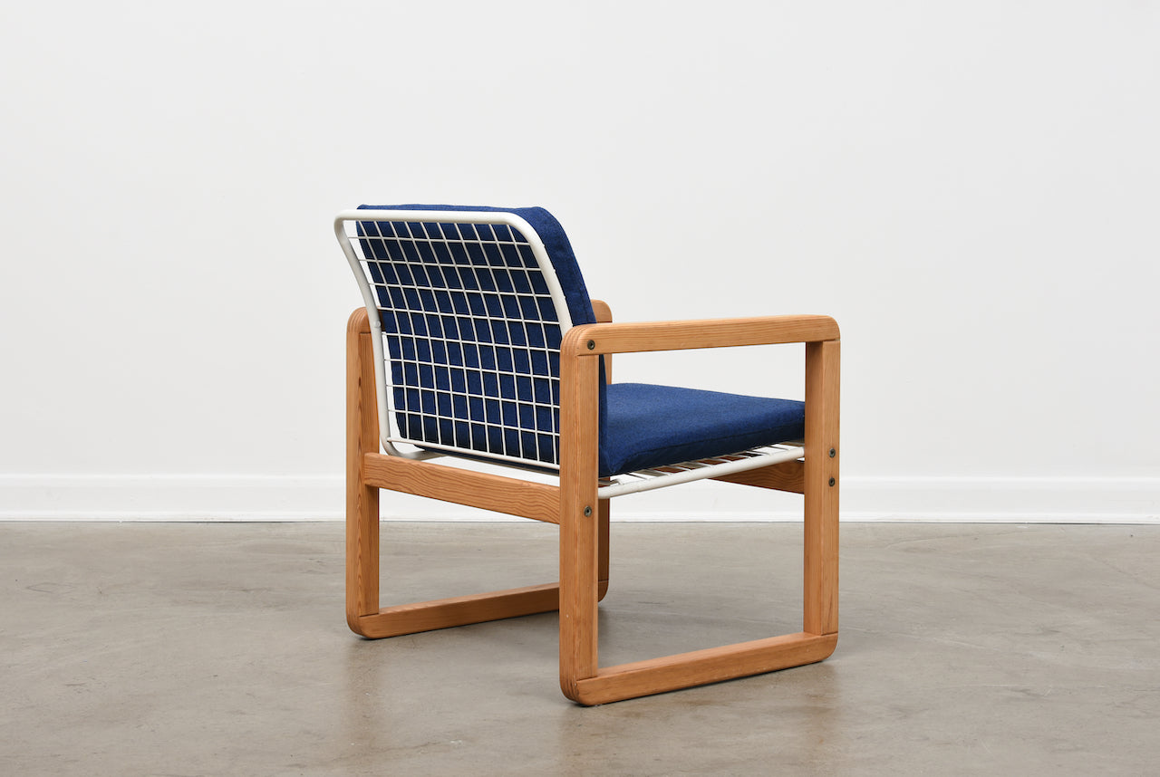 1980s armchair in pine + wire mesh