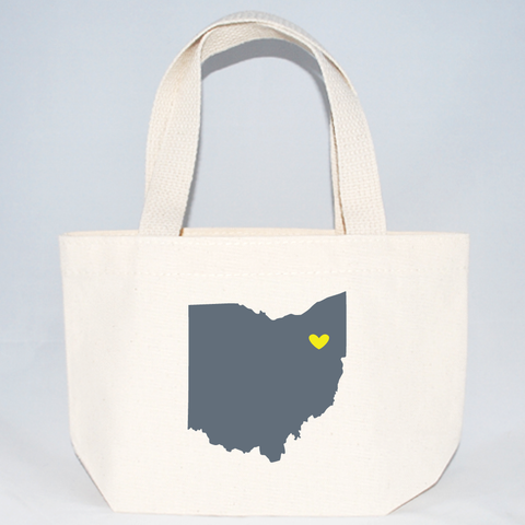 Ohio wedding tote for overnight guests.