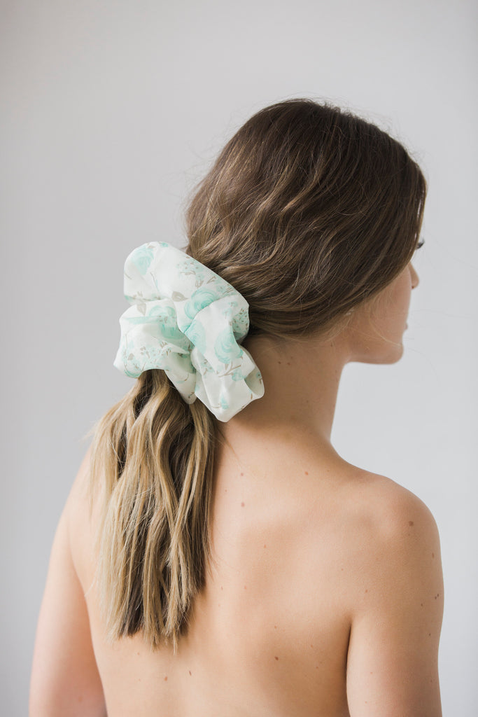The Oversized Scrunchie - Lisette
