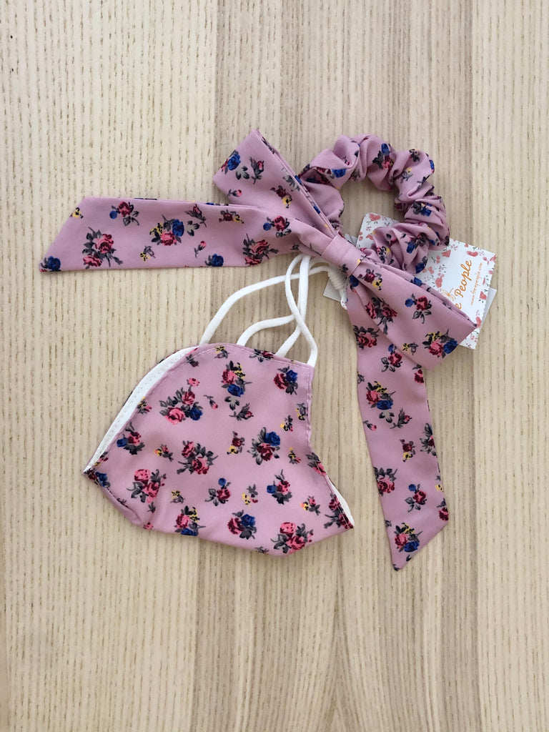 The Mask + Scrunchie Bow SET by Free People - Pink