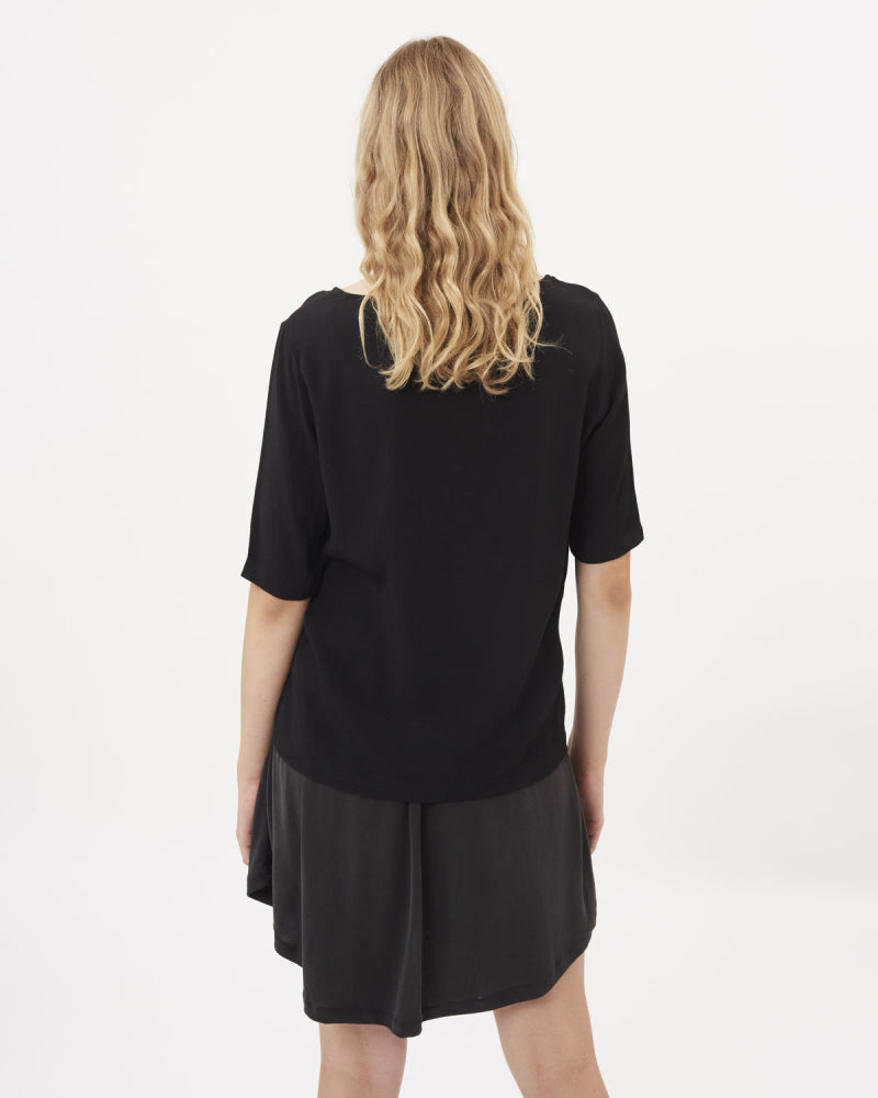 The Elvire Blouse by Minimum - Black