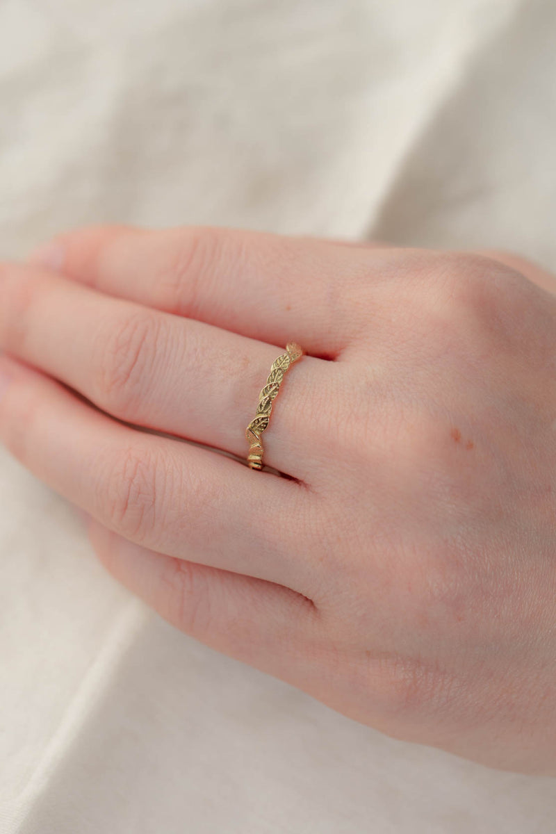 18ct Gold, Fallen Leaves Ring