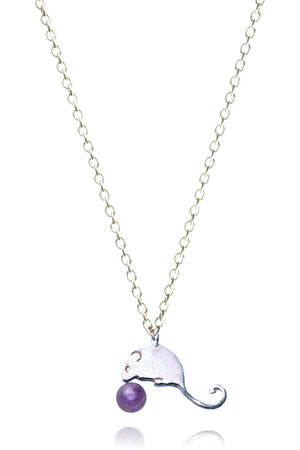 Field mouse and berry necklace