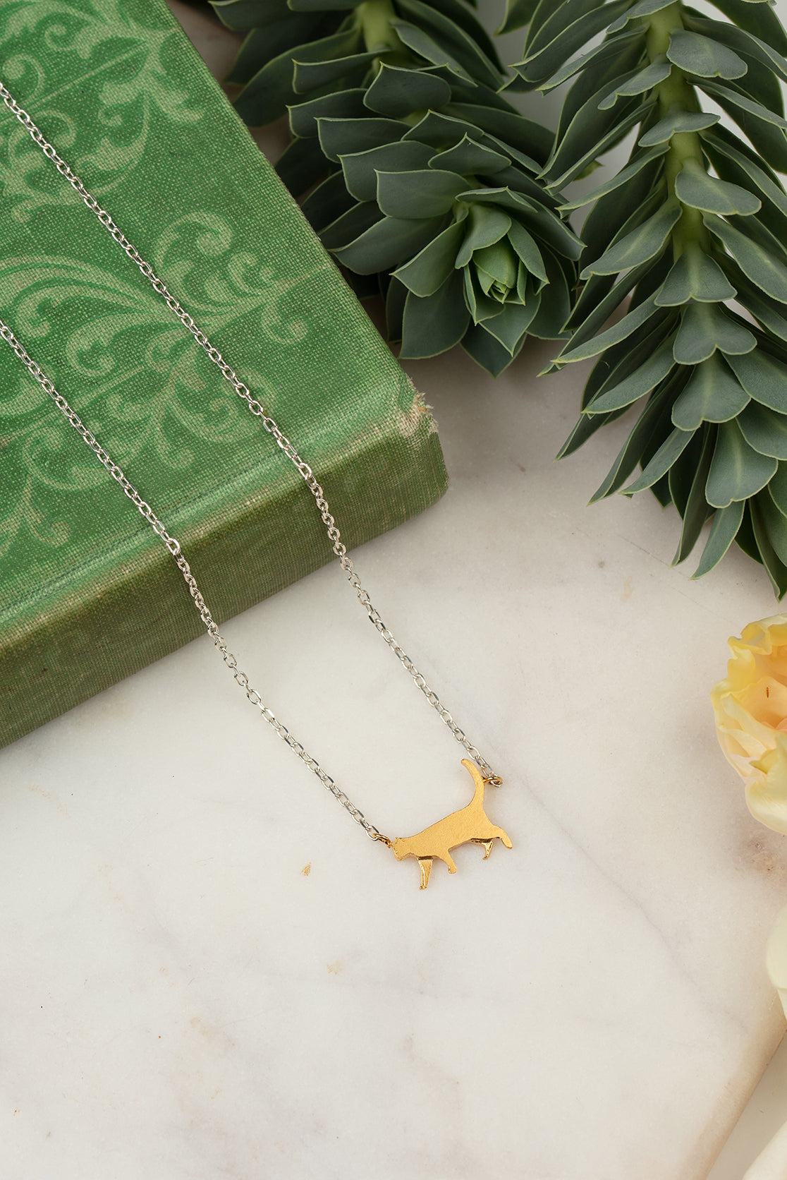 ginger cat necklace