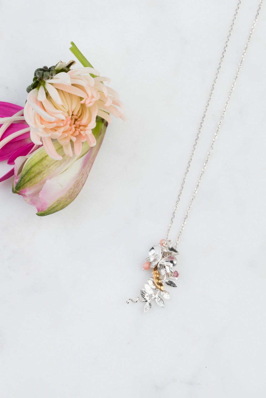 sweet pea flower necklace