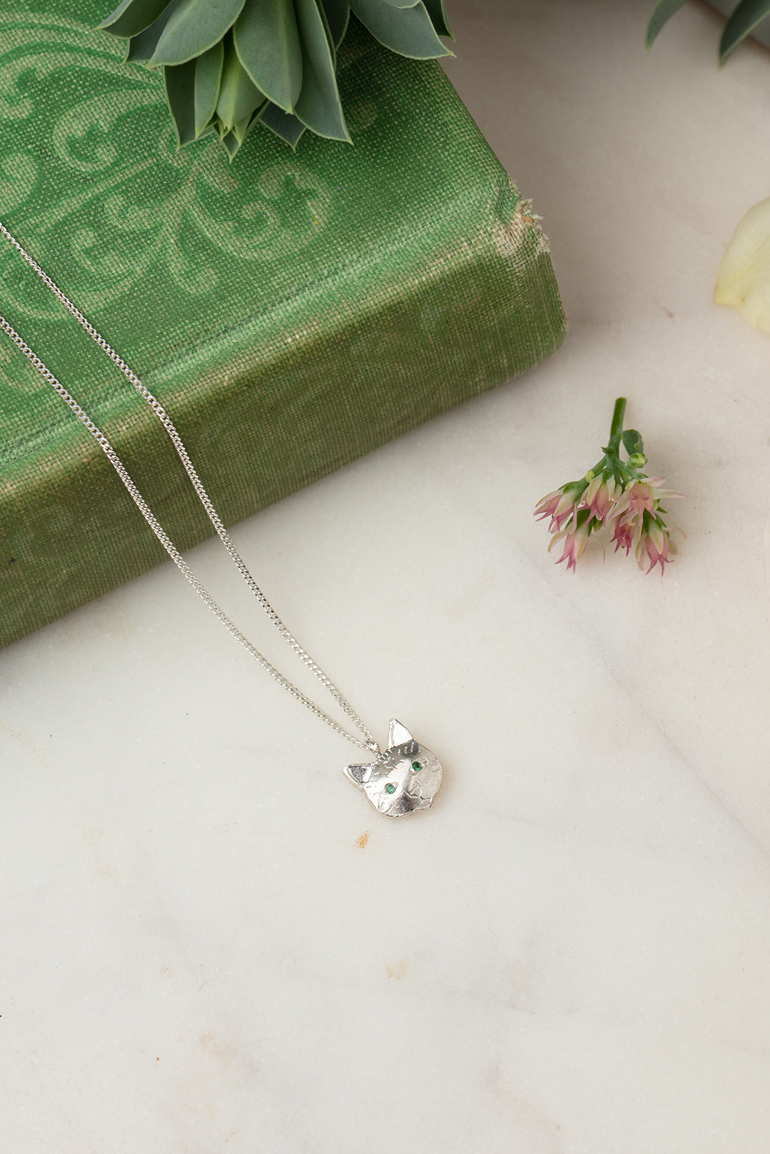 silver cat necklace