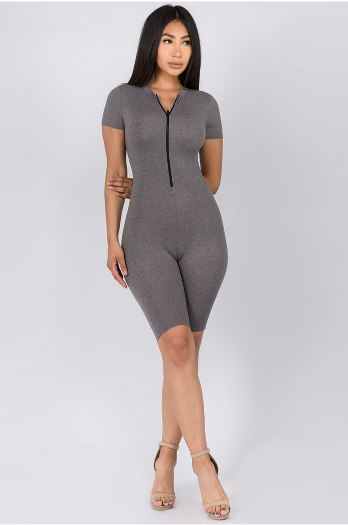 FRONT ZIPPER SHORT SLEEVE BODYCON ROMPER