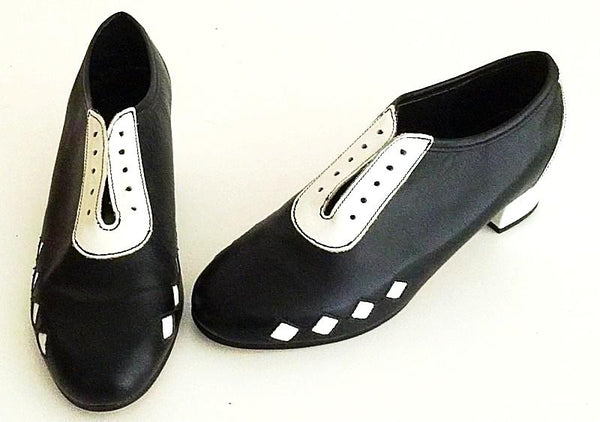 Lindy Black/ White Diamonds  IN STOCK NOW size 7