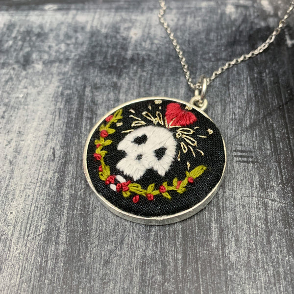 Queen of Hearts Skull with Roses: Large Embroidered Circle Pendant