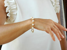 Load image into Gallery viewer, Bracelet with white Majorca pearls