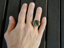 Load image into Gallery viewer, Silver ring with optical fiber