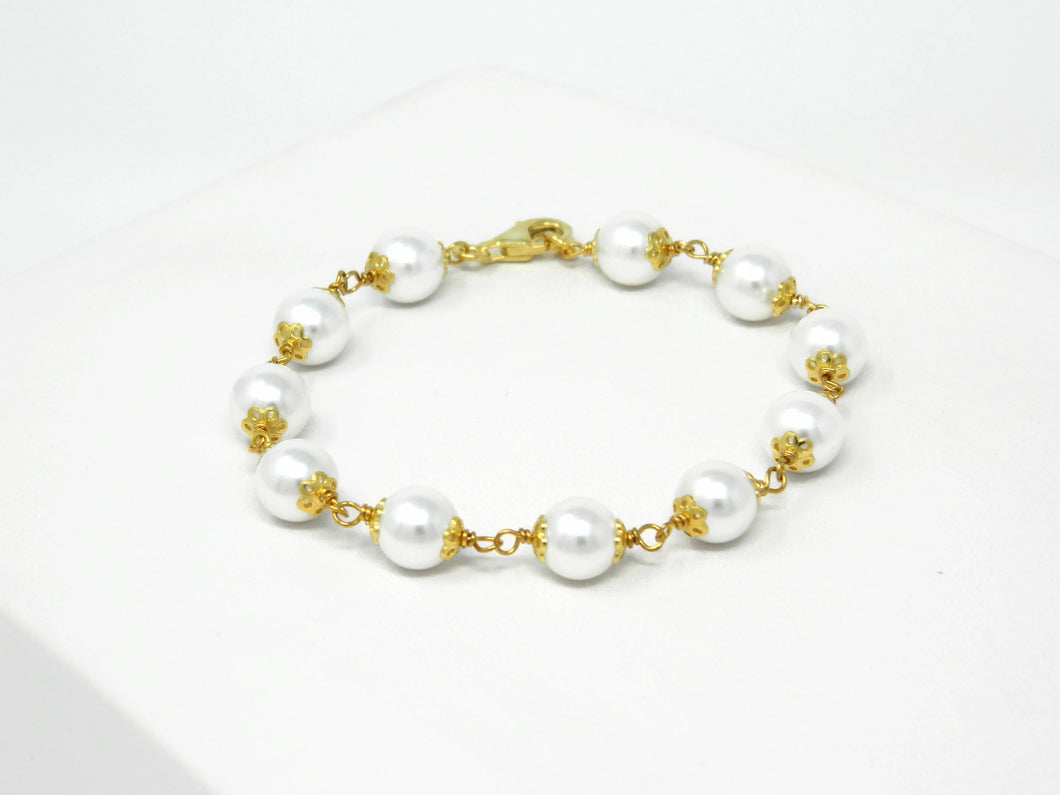 Bracelet with white Majorca pearls