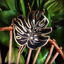 Load image into Gallery viewer, Big Monstera enamel pin
