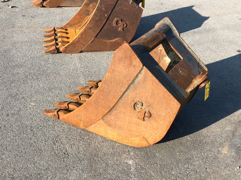 "24"" HD Quick Hitch Bucket 1 1/2 Pin Dimeter"