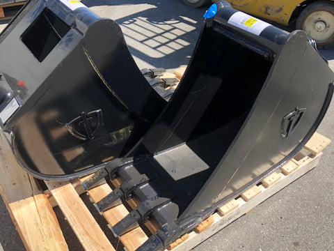 "18"" HD Quick Hitch Bucket 1 1/2 Pin Dimeter"