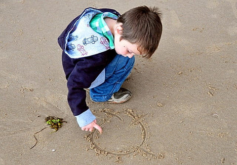 Creative-Kids-Activities-drawing-sand-drawing