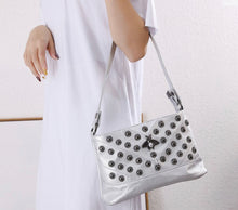 Load image into Gallery viewer, Silver Bee Pearl Bag