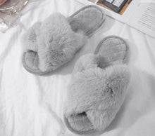 Load image into Gallery viewer, Fluffy Grey Slippers
